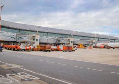 Colombia adopta cierre de vuelos desde Reino Unido